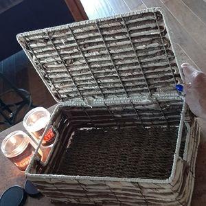 Wicker storage box/container (S)